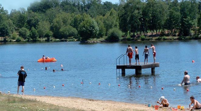 Lac de ponty ussel tourisme en corr ze for Piscine ussel