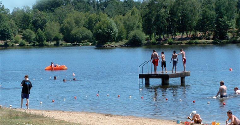Lac de ponty ussel tourisme corr ze for Piscine ussel