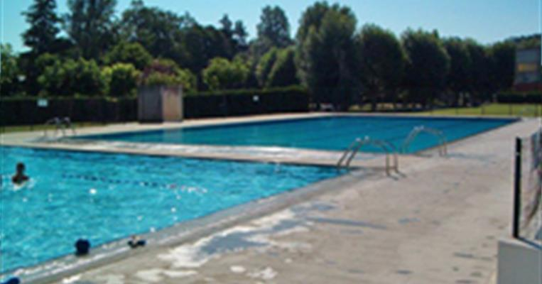 Piscine intercommunale d 39 t larche tourisme corr ze for Piscine correze