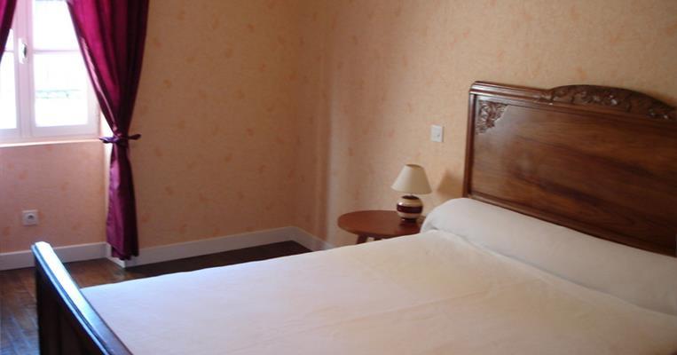 location cl vacances lachaud brive la gaillarde tourisme corr ze. Black Bedroom Furniture Sets. Home Design Ideas