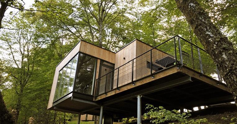 cabanes du domaine de salagnac meyrignac l 39 eglise tourisme corr ze. Black Bedroom Furniture Sets. Home Design Ideas